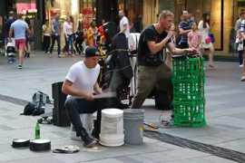 【街头】当bboxer遇到了街头鼓手,音乐在即兴中迸发出来,简直不能再棒了